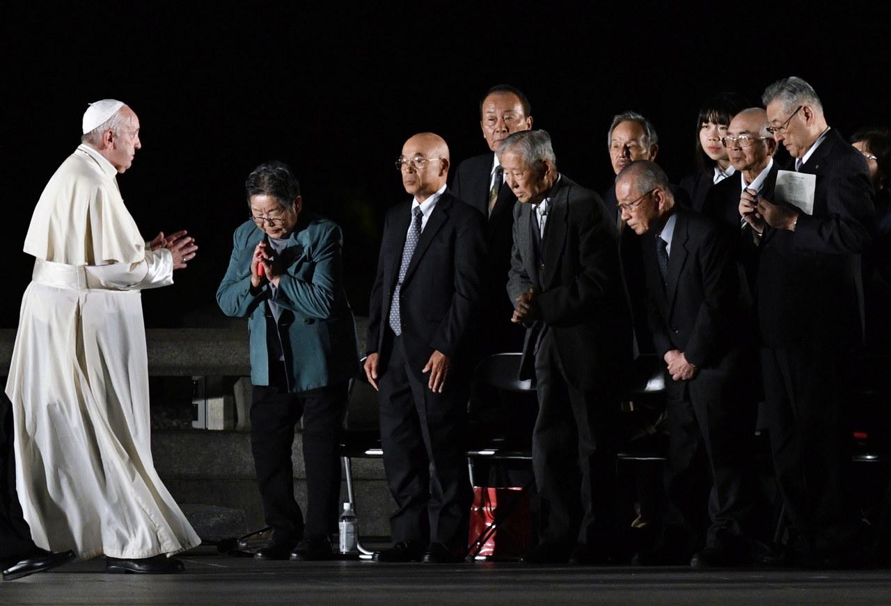 """""""Wciąż słychać krzyk tych, których już nie ma"""". Apel papieża ws. broni atomowej"""