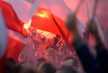 """""""Wszyscy się zmieścimy"""", ale i """"dzisiaj imigranci, jutro terroryści"""". Protesty w polskich miastach"""