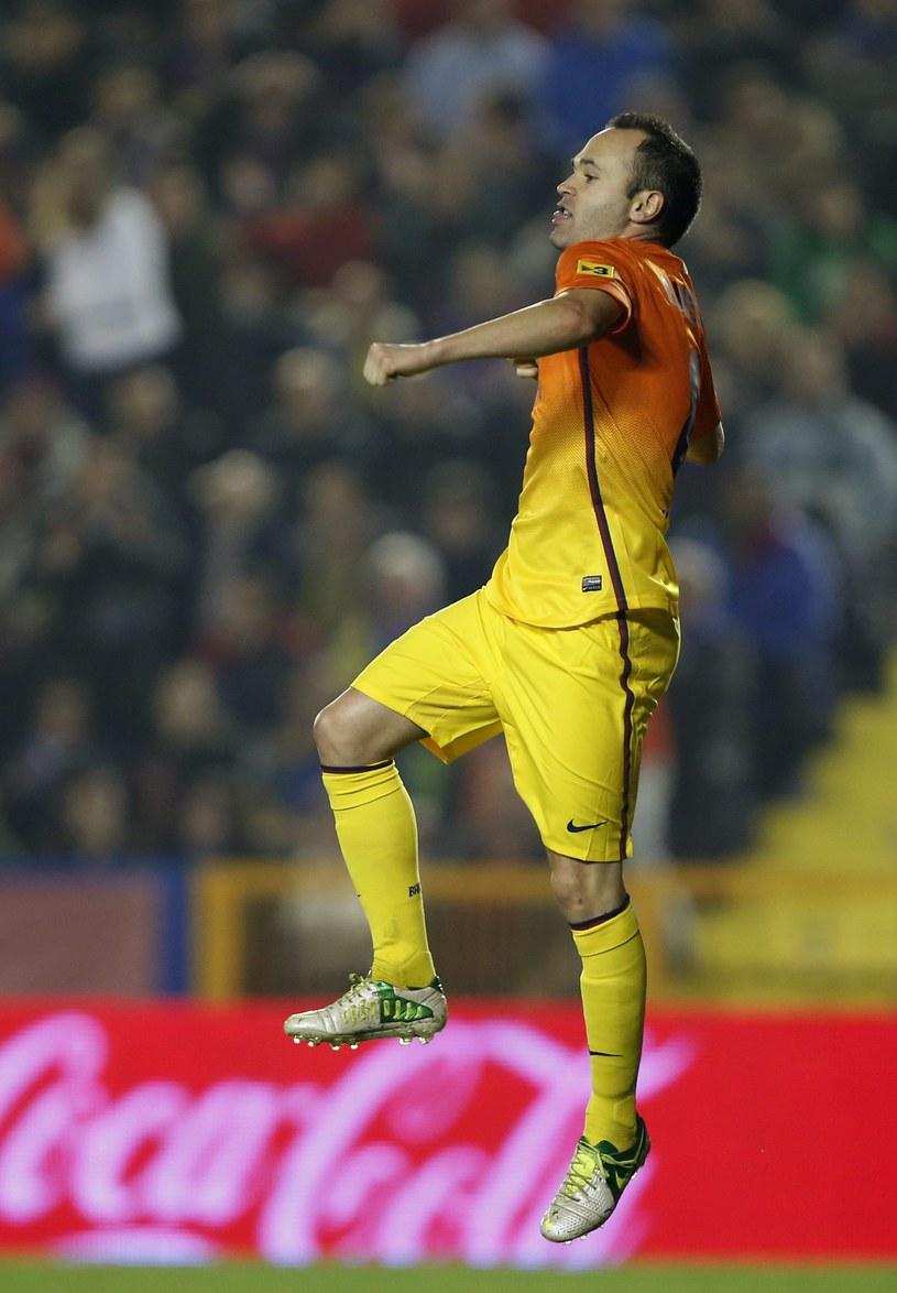 Andres Iniesta: gol i 3 asysty. Jak tu się nie cieszyć? /AFP