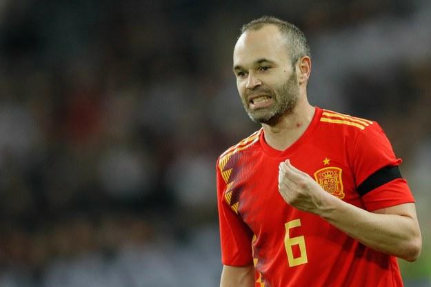 Andres Iniesta odejdzie z FC Barcelony? /RONALD WITTEK /PAP/EPA