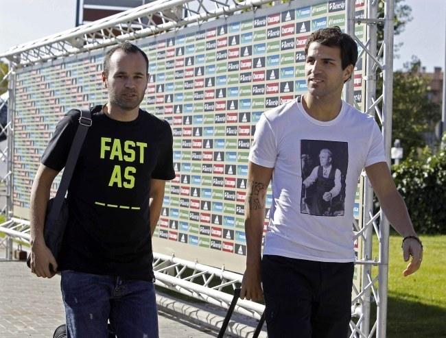 Andres Iniesta (z lewej) i Cesc Fabregas /PAP/EPA