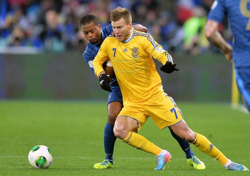 Andrij Jarmołenko (w żółtym stroju) w akcji /AFP
