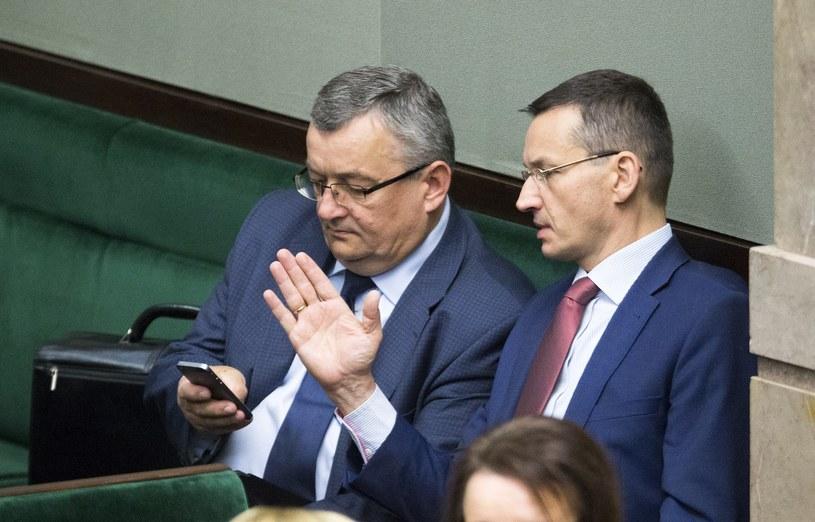 Andrzej Adamczyk i Mateusz Morawiecki /Andrzej Iwańczuk /Reporter