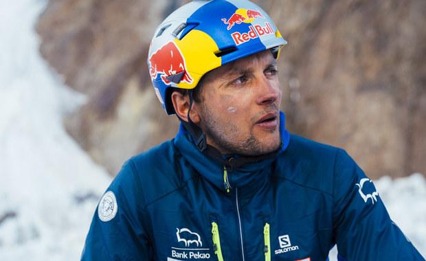 Andrzej Bargiel wspiął się na K2 już na 7000 metrów! Pogoda grozi palcem...