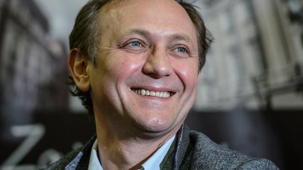 Andrzej Chyra podczas piatkowej konferencji prasowej. /PAP