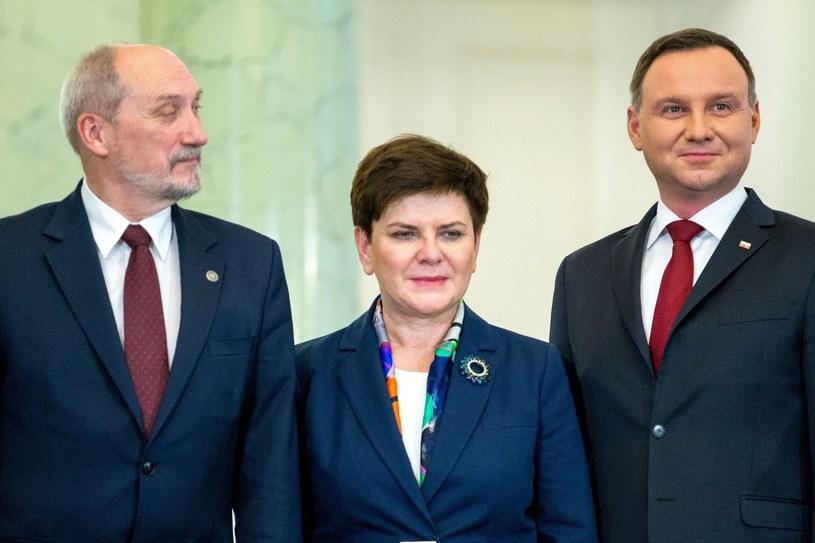 Andrzej Duda, Beata Szydło i Antoni Macierewicz /Andrzej Iwańczuk /Reporter