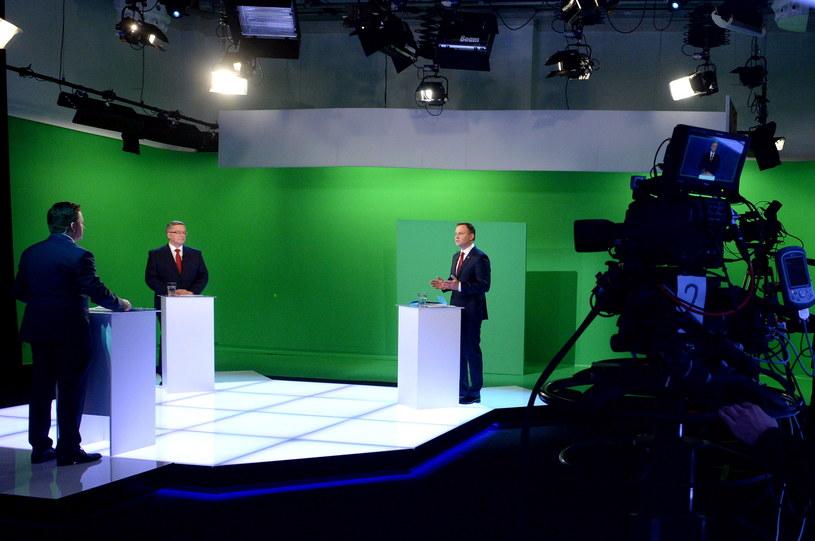 Andrzej Duda i Bronisław Komorowski w studiu TVN /Jacek Turczyk /PAP