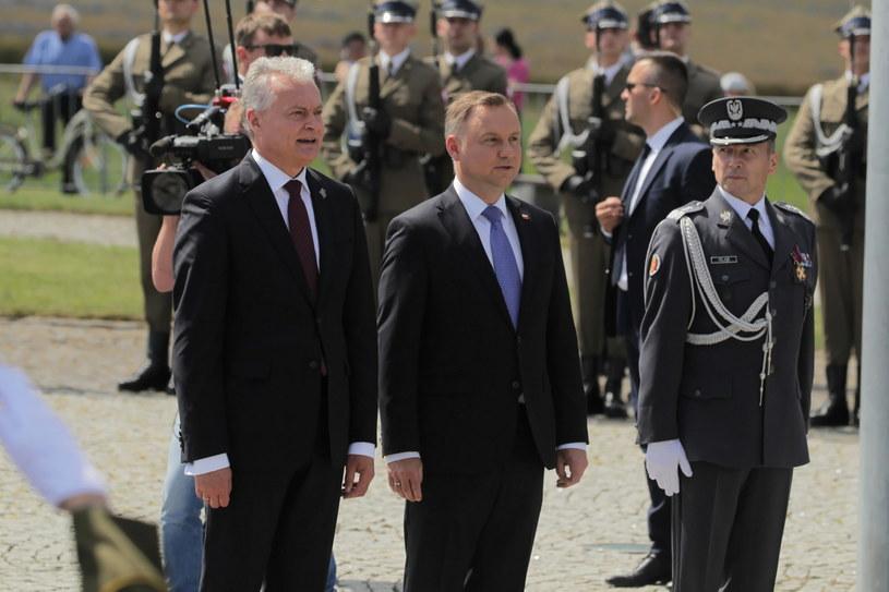 Andrzej Duda i Gitanas Nauseda w trakcie obchodów rocznicy bitwy pod Grunwaldem. /Tomasz Waszczuk /PAP
