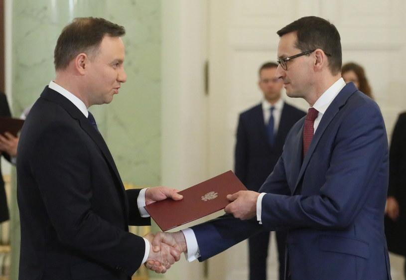 Andrzej Duda i Mateusz Morawiecki podczas piątkowej uroczystości w Pałacu Prezydenckim /Paweł Supernak /PAP