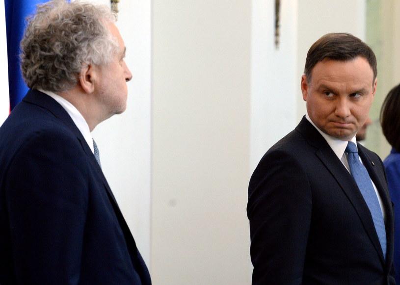 Andrzej Duda patrzy na Andrzeja Rzeplińskiego /Jacek Turczyk /PAP