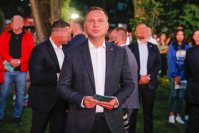 """Andrzej Duda podczas koncertu """"Warszawiacy śpiewają (nie)zakazane piosenki"""" /Podlewski /AKPA"""
