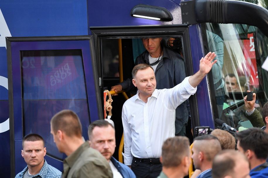 Andrzej Duda podczas spotkań z wyborcami /Marcin Bielecki   /PAP