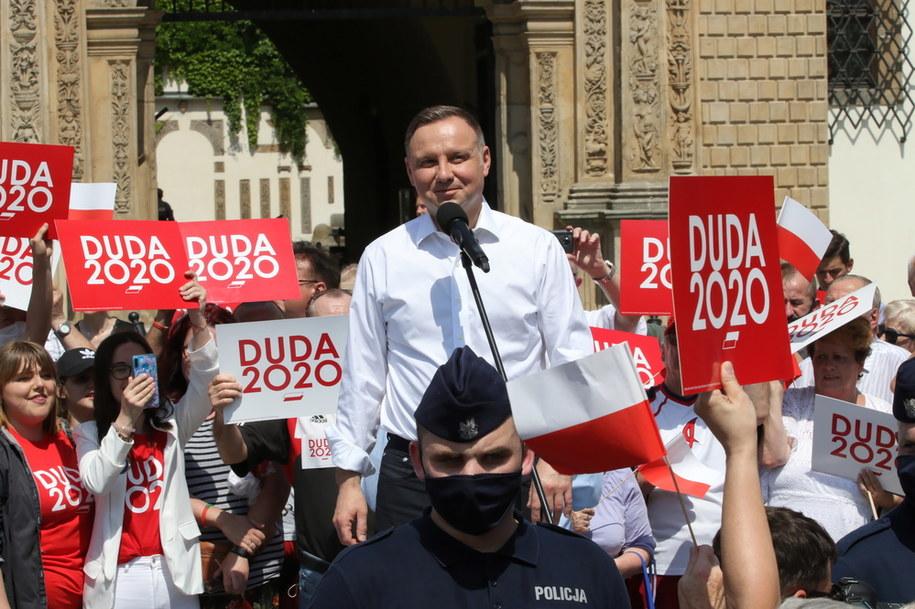 Andrzej Duda podczas spotkania z mieszkańcami Brzegu /Krzysztof Świderski /PAP