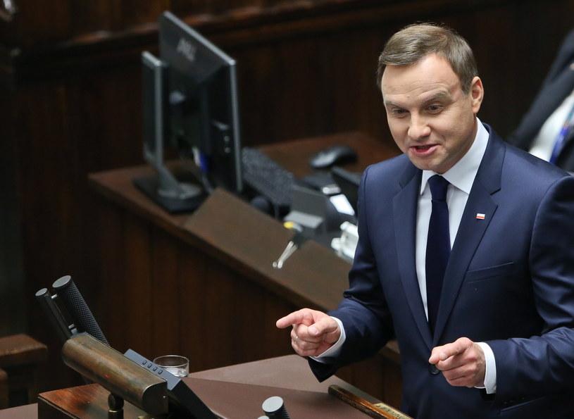 Andrzej Duda podczas wygłaszania orędzia /Rafał Guz /PAP