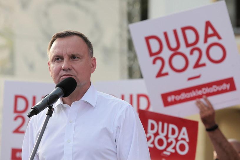 Andrzej Duda pozostaje faworytem wyborów prezydenckich / Artur Reszko    /PAP