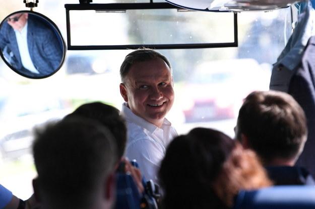 """Andrzej Duda w """"dudabusie"""" w Jaśle /Darek Delmanowicz /PAP"""