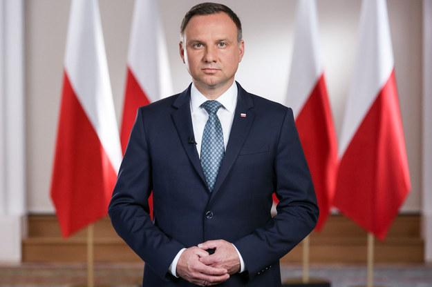 Andrzej Duda w orędziu: Wierzę, że moje projekty ws. SN i KRS zostaną uchwalone jak najszybciej