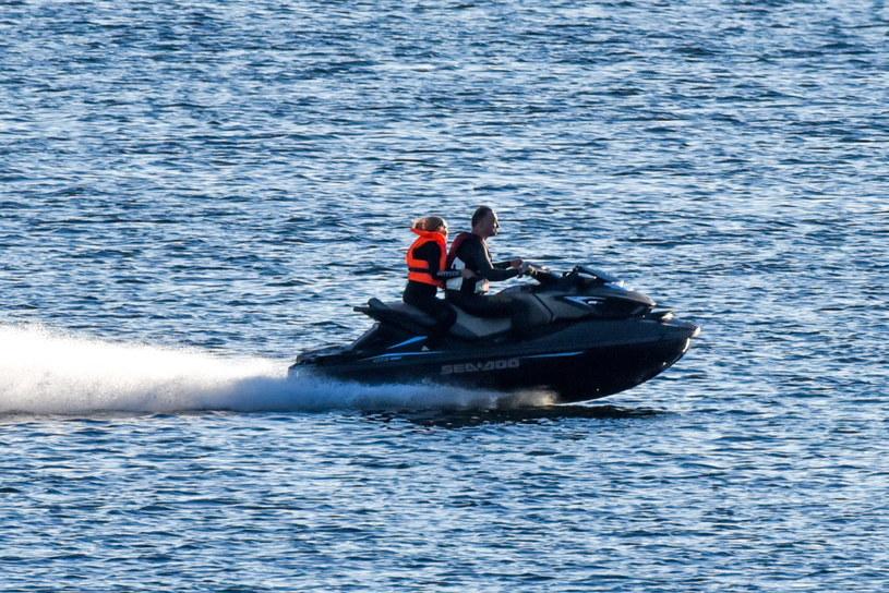Andrzej Duda z córką Kingą na skuterze wodnym /TOBIASZ /Newspix