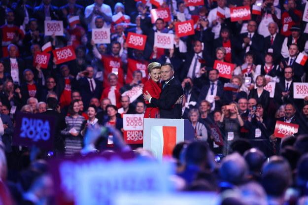 Andrzej Duda z żoną Agatą Kornhauser-Dudą podczas konwencji inaugurującej kampanię prezydenta /Rafał Guz /PAP