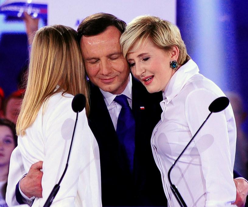 Andrzej Duda z żoną i córką bardzo się wspierają podczas publicznych wystąpień /Jan Bielecki /East News