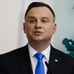 Andrzej Duda zaskoczył tym, co zrobił. Przesadził?