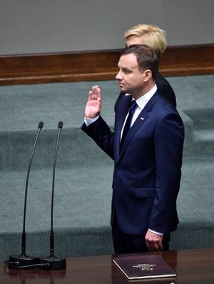 Andrzej Duda złożył przysięgę przed Zgromadzeniem Narodowym i formalnie objął urząd prezydenta /Jacek Turczyk /PAP