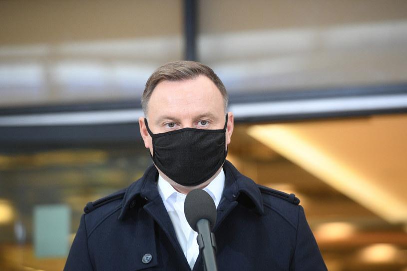 Andrzej Duda złożył w piątek w Sejmie projekt zmian w tzw. ustawie antyaborcyjnej /Jacek Dominski/ /Reporter