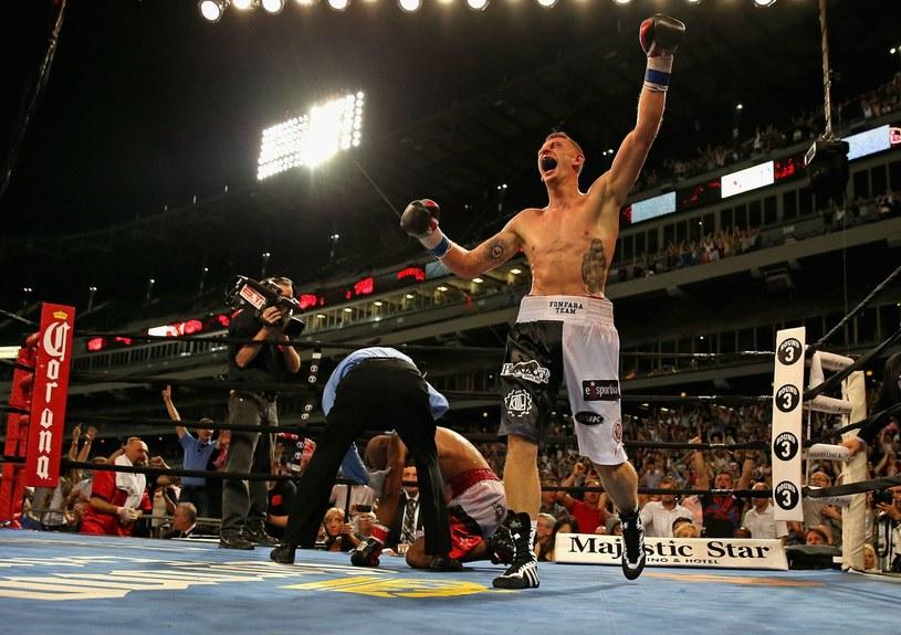 Andrzej Fonfara cieszy się po zwycięstwie nad Gabrielem Campillo /AFP