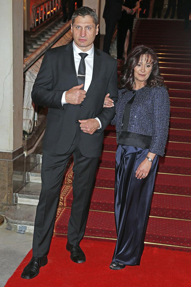 Andrzej Gołota z żoną Mariolą na najnowszych zdjęciach /Podlewski /AKPA