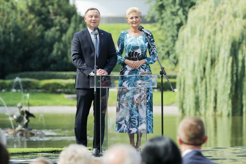 """Andrzej i Agata Dudowie na narodowym czytaniu """"Balladyny"""" /Gałązka /AKPA"""