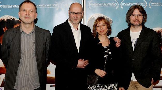 Andrzej Jakimowski (w środku) na premierze swojego najnowszego filmu w warszawskiej Kinotece /materiały dystrybutora