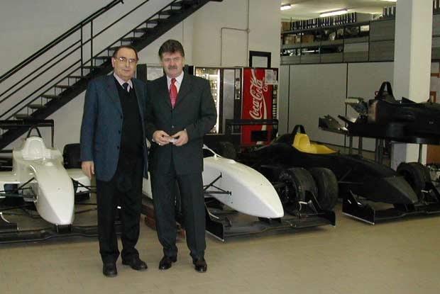 Andrzej Jaroszewicz (z prawej) i Gian Paolo Dallara / kliknij /INTERIA.PL