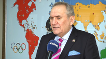 Andrzej Kraśnicki dla Interii: Zdrowi ludzie nie będą szczepieni w pierwszej kolejności. Wideo