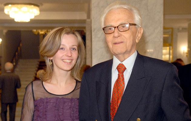 Andrzej Łapicki z mlodziutką żoną Kamilą, fot.Andras Szilagyi  /Andras Szilagyi /MWMedia
