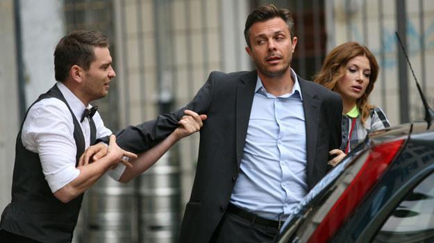 Andrzej (Marek Bukowski) przyszedł do hotelu zupełnie zamroczony /materiały prasowe