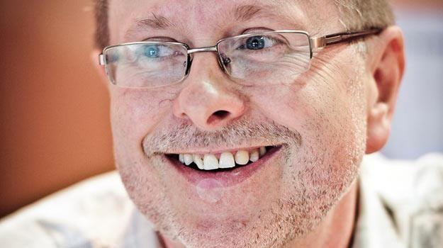 Andrzej Marek Grabowski podczas jednego ze spotkań z czytelnikami - fot. Wojciech Olszanka /East News