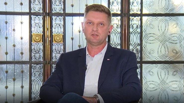 """Andrzej Rozenek w programie """"Debata Dnia"""" komentował możliwą nominację Przemysława Czarnka na ministra edukacji i szkolnictwa wyższego /Polsat News"""