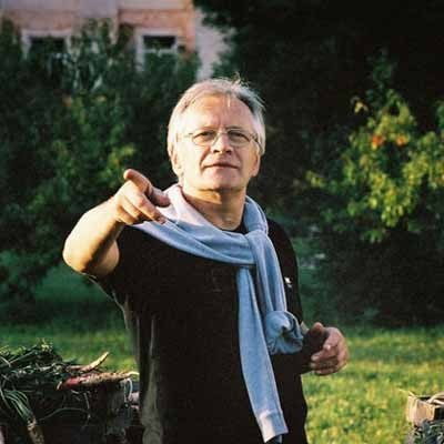 """Andrzej Seweryn na planie """"Kto nigdy nie żył"""" - fot. filmpolski.pl /"""