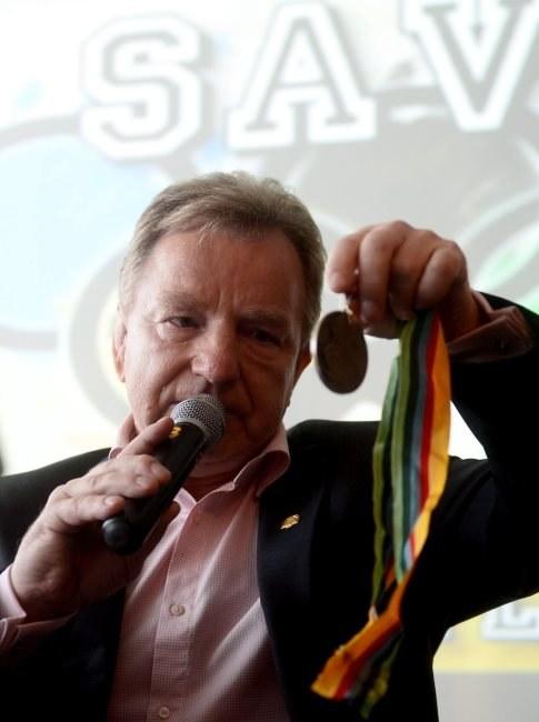 Andrzej Supron oddał swój medal. /PAP