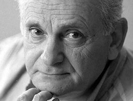 Andrzej Szczypiorski będzie jednym z pierwszych bohaterów nowego programu /Film Polski