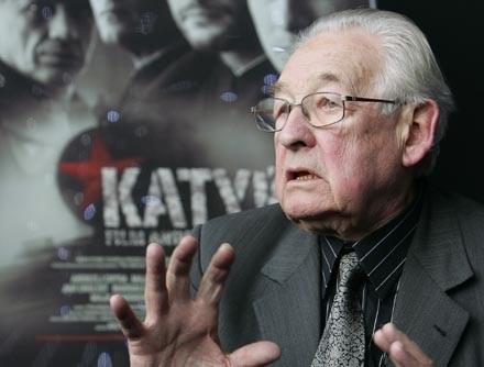 """Andrzej Wajda otrzymał nominację za film """"Katyń"""" /AFP"""
