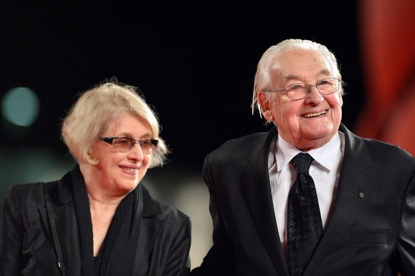 Andrzej Wajda z żoną Krystyną Zachwatowicz na festiwalu w Wenecji w 2013 roku /AFP