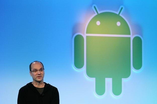 Andy Rubin chwali się najnowszymi osiągnięciami Androida /AFP