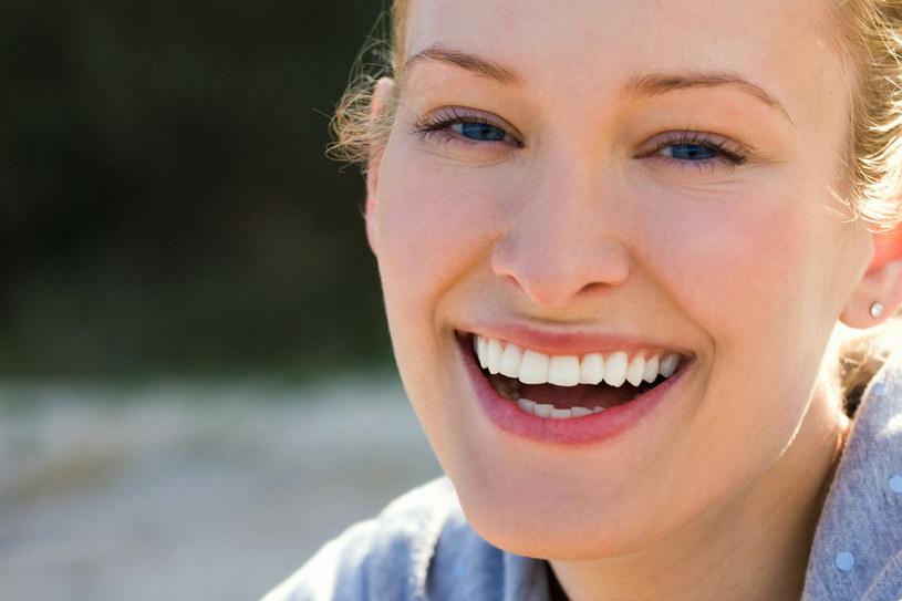 Anemia źle wpływa m.in. na wygląd skóry, włosó i paznokci  /© Bauer