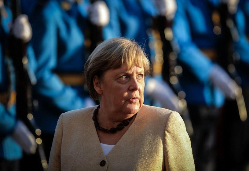 Angela Merkel była jedną z pasażerek specjalnego kursu pociągu DB. Zamiast superprędkości była spora wpadka /OLIVER BUNIC/AFP/East News /AFP