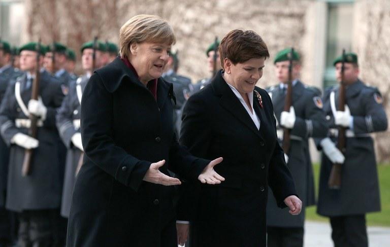 Angela Merkel i Beata Szydło /AFP