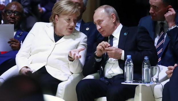 Angela Merkel i Władimir Putin /GONZALO FUENTES  /PAP/EPA