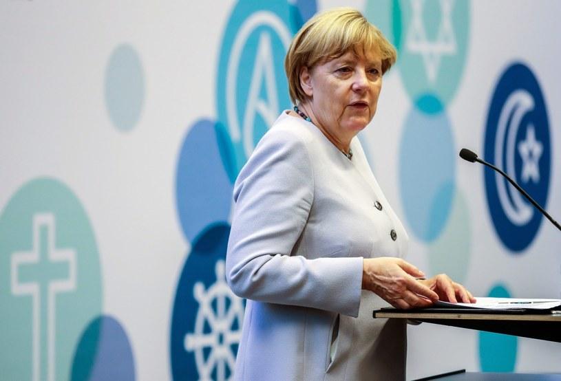 Angela Merkel: Niemieckie władze precyzyjnie określą w jakich dziedzinach całkowita zasłona nie jest pożądana /MICHAEL KAPPELER /PAP/EPA
