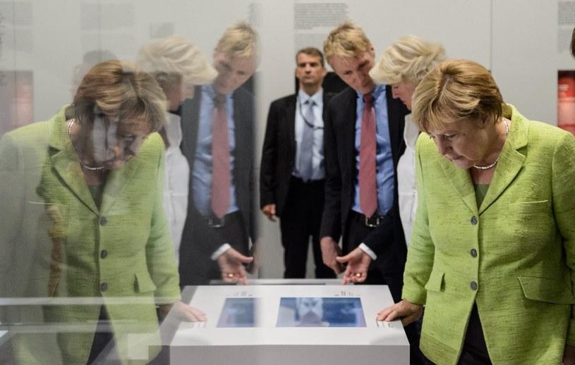 Angela Merkel odwiedziła były więzienie NRD-owskiej policji Stasi - Hohenschoenhausen w Berlinie /JENS SCHLUETER  /PAP/EPA