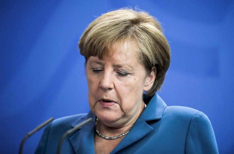 Angela Merkel przerywa urlop, by odpowiedzieć na pytania dziennikarzy /PAP/EPA
